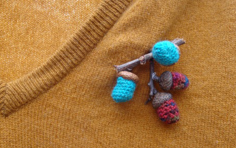 broche gland au crochet