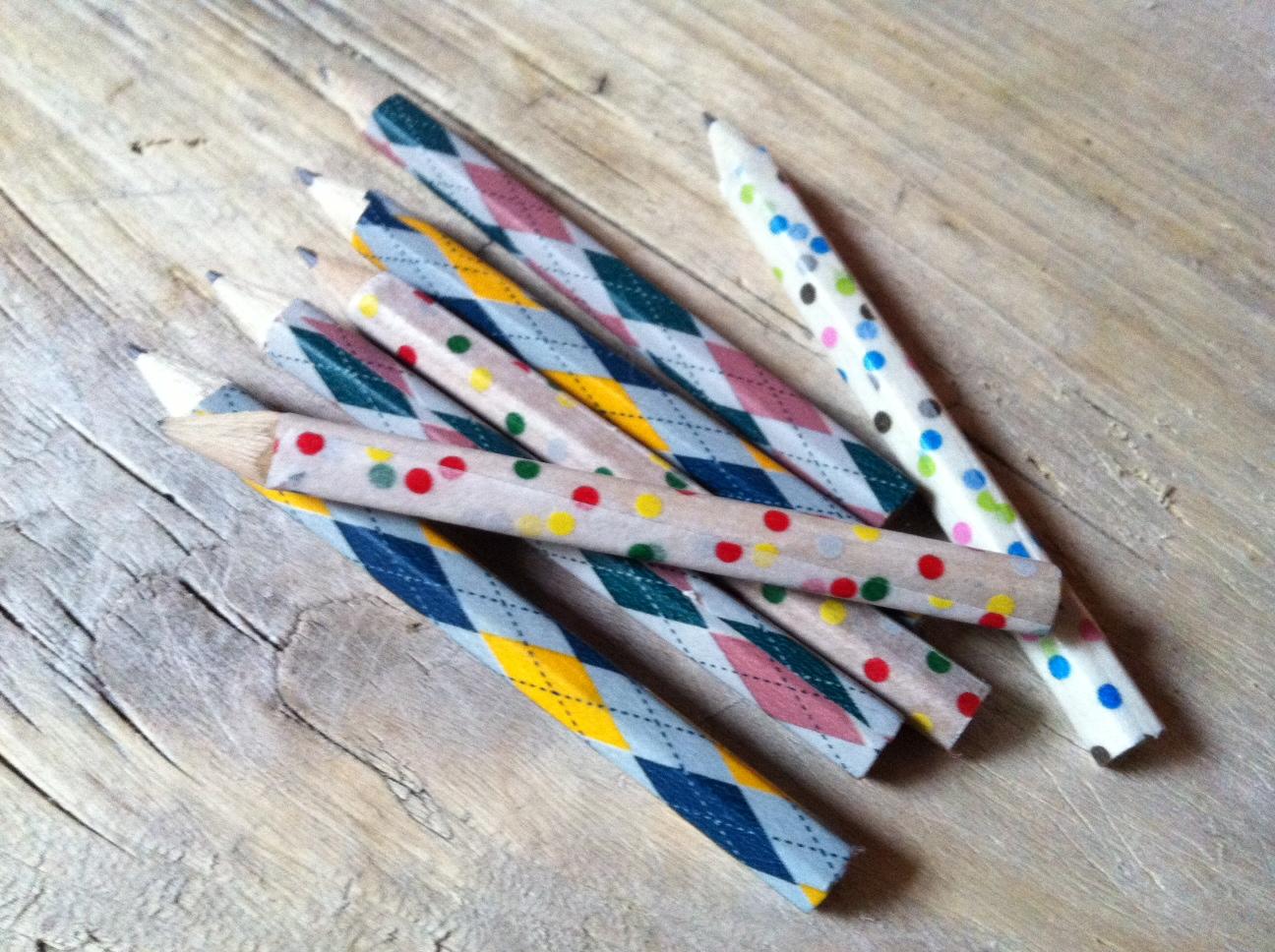tambouille crayons au masking tape. Black Bedroom Furniture Sets. Home Design Ideas